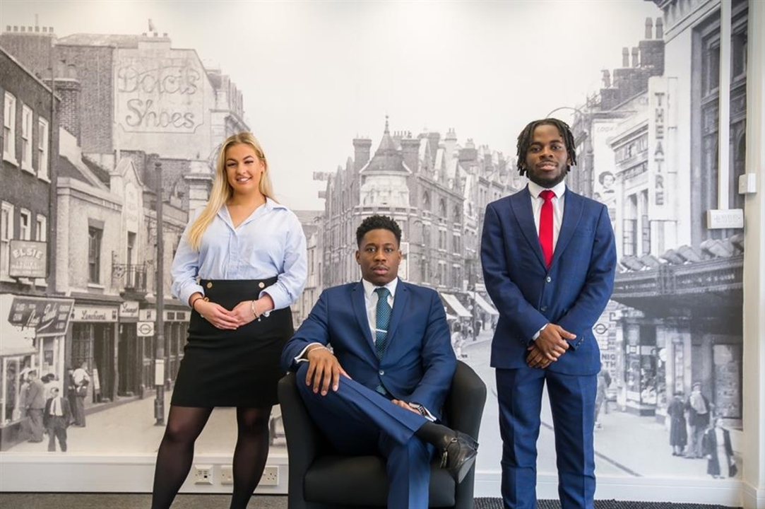 Meet the Croydon Letting's team! Leya, Kieran & Bridgetta, here to help you LET and SELL! Call us on 0208 680 5135.