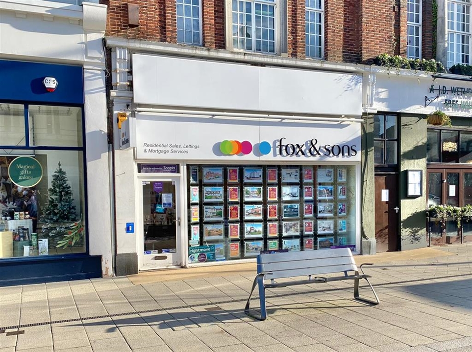 Eastbourne Estate Agents Fox & Sons in Eastbourne town centre. We Cover a large area inc. Meads, Old Town, Upperton, Rodmill, Seaside & Hampden Park