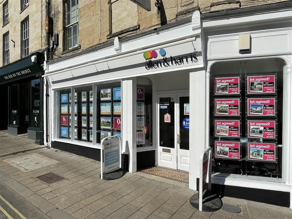 Allen & Harris estate agents - located in the heart of Frome we are your dedicated estate agents who would love to help you buy or sell this year.