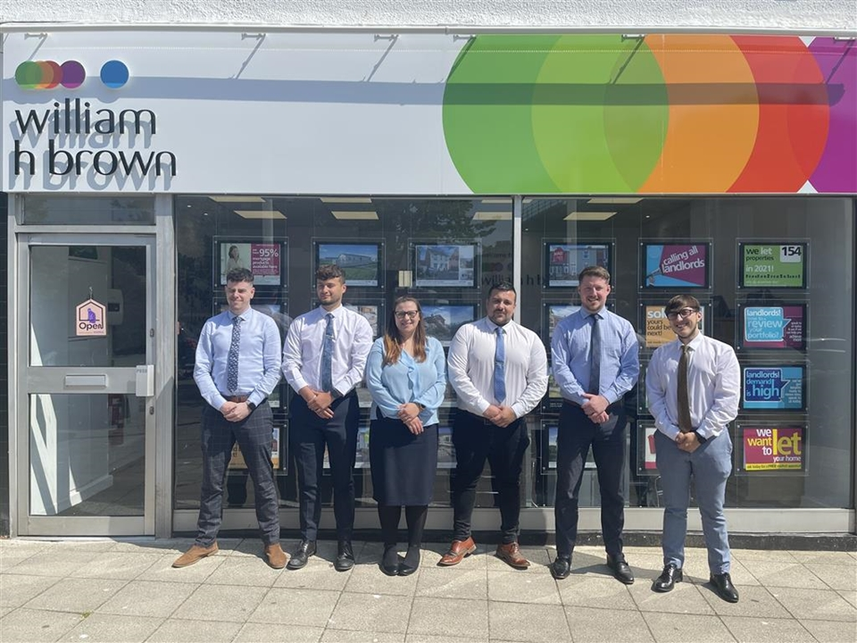 The Lowestoft team have a wealth of experience and offer a professional friendly service for all aspects of buying or selling your home.