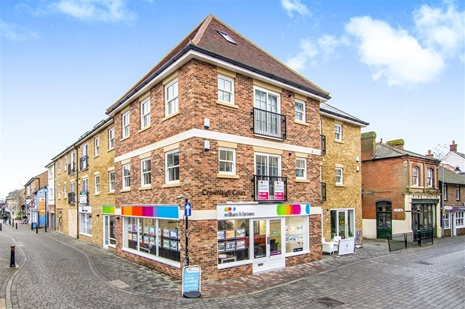 William H Brown estate agents of Brentwood can help you SELL, BUY or RENT a property in & around the BRENTWOOD area.