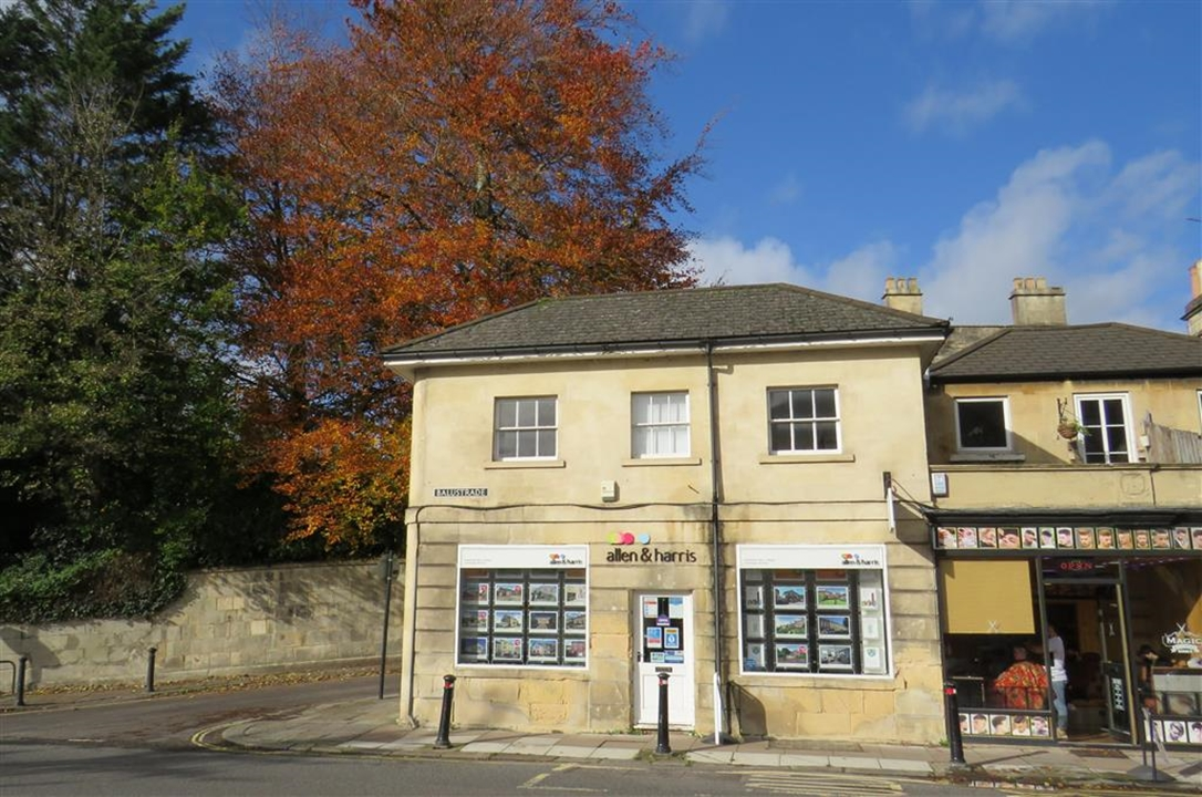 Allen & Harris Estate Agents are your local experts, specialising in property in Bath Larkhall, Fairfield Park, Batheaston, Bathford and Bathampton.