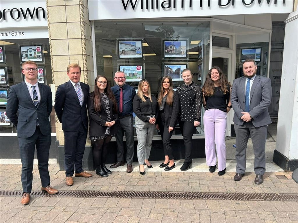 An award winning team with a wealth of experience. We offer free valuations, advice on buying, selling, mortgages, new homes & much more.