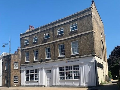 Located conveniently on the High Street, our staff have over 100 years combined experience. We are here to help with all your selling and buying needs