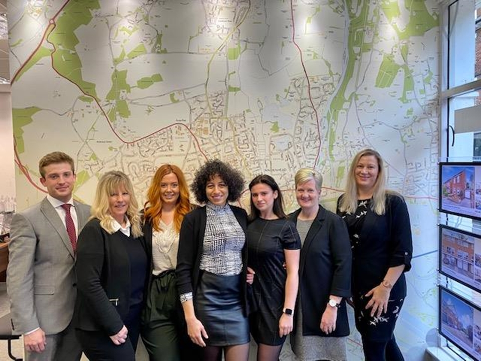 Roger Platt Lettings Team At Your Service.