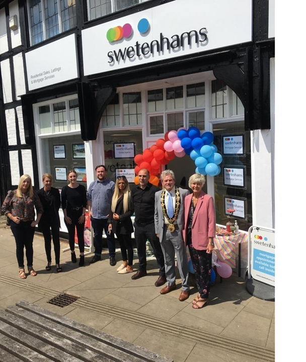 The successful Swetenhams team are here to help you both sell your property and find your new home! Please read our 5 star reviews.