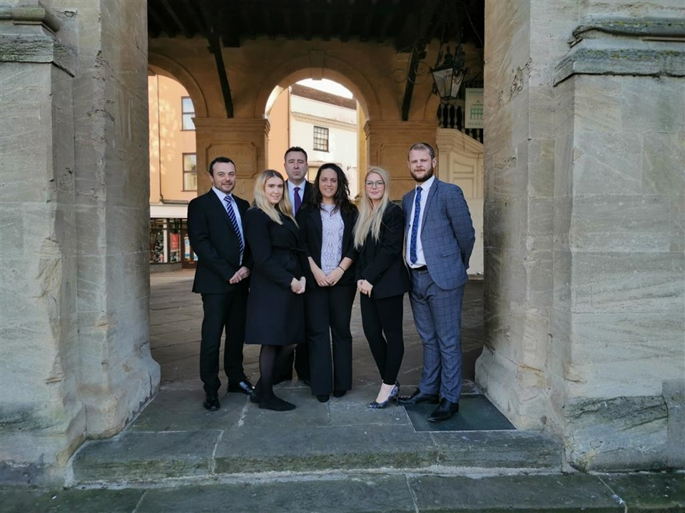 Allen & Harris estate agents in Abingdon - Kathryn, Elise and Morwenna will guide you through your sales or buying process.