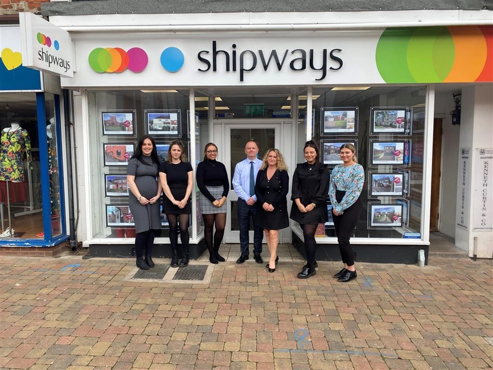 The sales and mortgage service team at Shipways, Redditch.