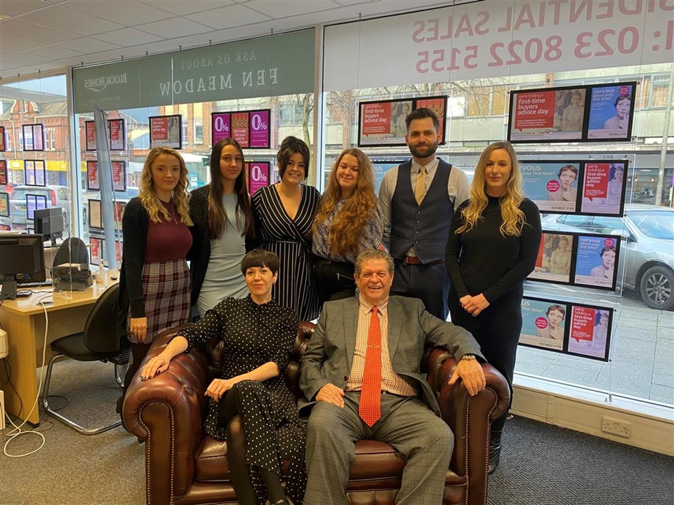 Meet the multiple winning Sales team at Fox & Sons Southampton