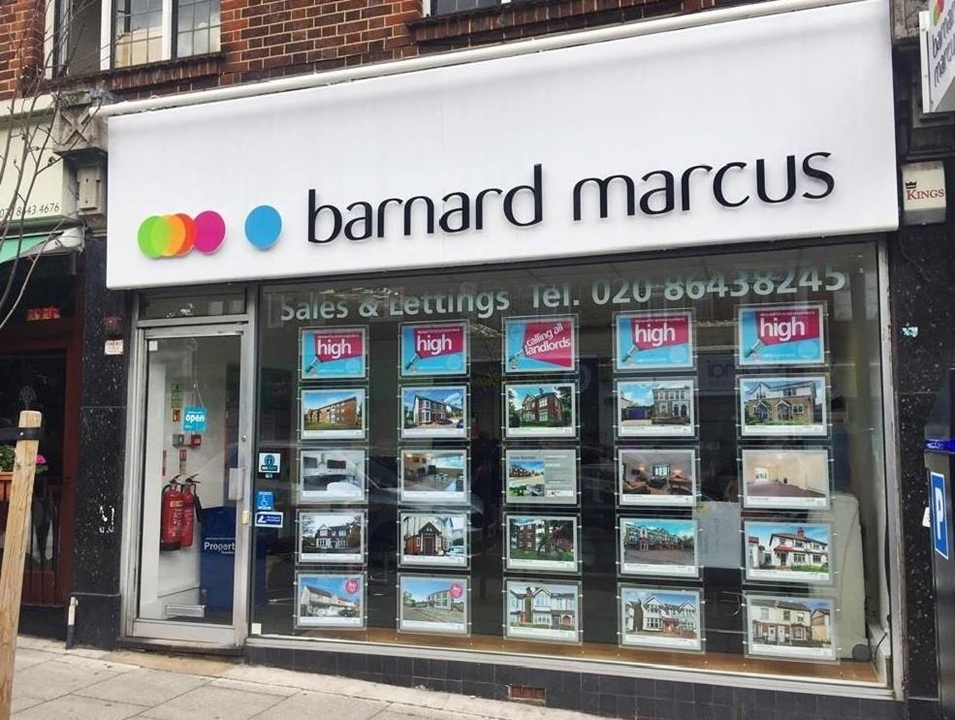 Barnyard Marcus Estate Agents in Button.