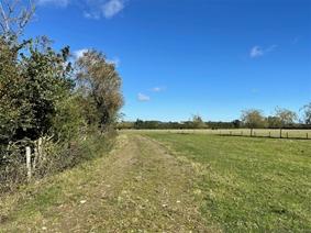 Berryfields Gated Road, Quarrendon, AYLESBURY