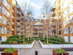 Bromyard Avenue, London