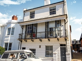 Clifton Hill, Brighton