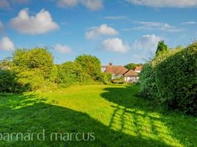 Roundwood Way, Banstead