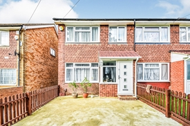 Cleave Avenue, Middlesex, Ub3, Hayes