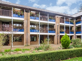 Emmbrook Court, Reading