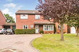 Hollym Close, Lower Earley, Reading
