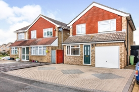 Lewis Close, Newport Pagnell