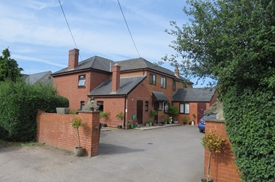 Gate Lane, Wells