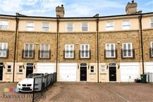 Heidegger Crescent, Barnes, London Photo 3