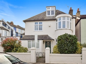 Connaught Avenue, East Sheen, London