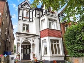Barrowgate Road, LONDON