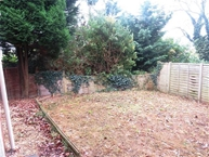 Leicester Close, KETTERING Photo 10