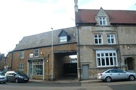 High Street, Rothwell, KETTERING