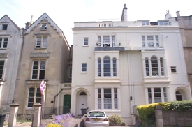 Second Floor Flat, 62 Oakfield Road, Clifton