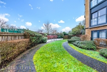 Sanderstead Hill , South Croydon Photo 11