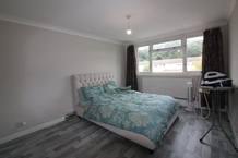 Holroyd Road, Claygate Photo 2