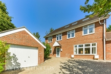 Lakers Rise, BANSTEAD Photo 1