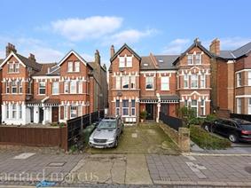 Greyhound Lane, LONDON